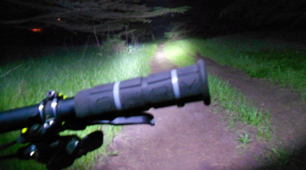 Review of Ebay: 1800 Lumen CREE XML T6 LED Bicycle HeadLight Lamp-dscn1736.jpg