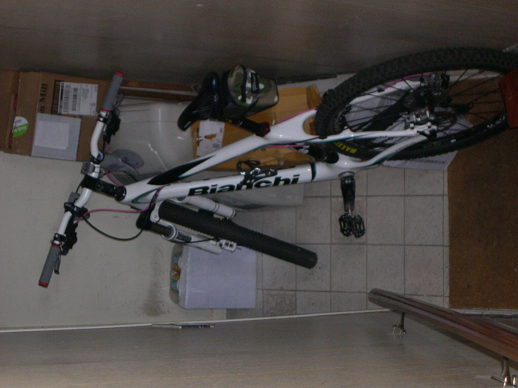 Bikes in Living Rooms?-dscn3615.jpg