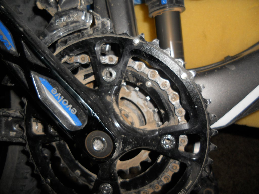 questions on replacing just chainrings on a 3x9 crankset-dscn3858.jpg