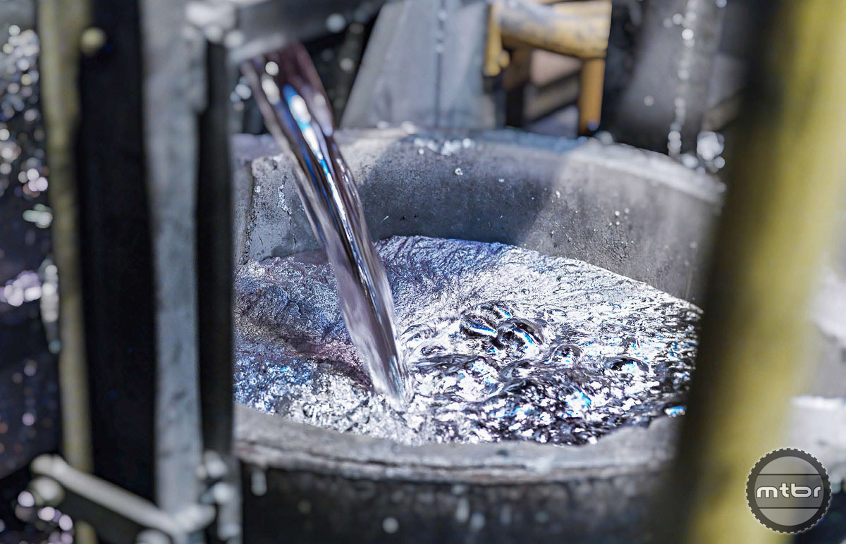 Aluminum is molten and mixed with other ingredients. Photo by DT Swiss AG