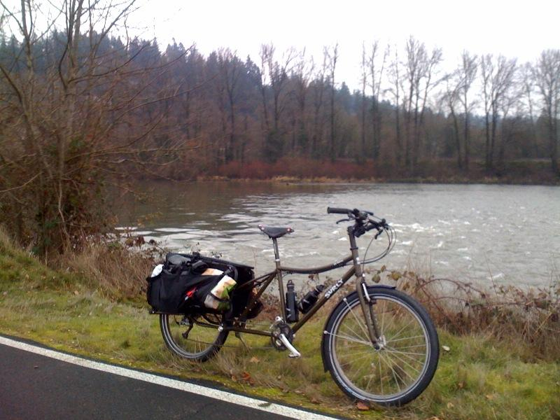 Post Pics of your Cargo Bike-dummy-river.jpg