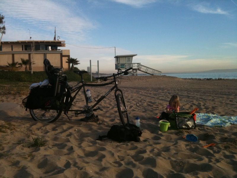 Post Pics of your Cargo Bike-dummy2beach.jpg