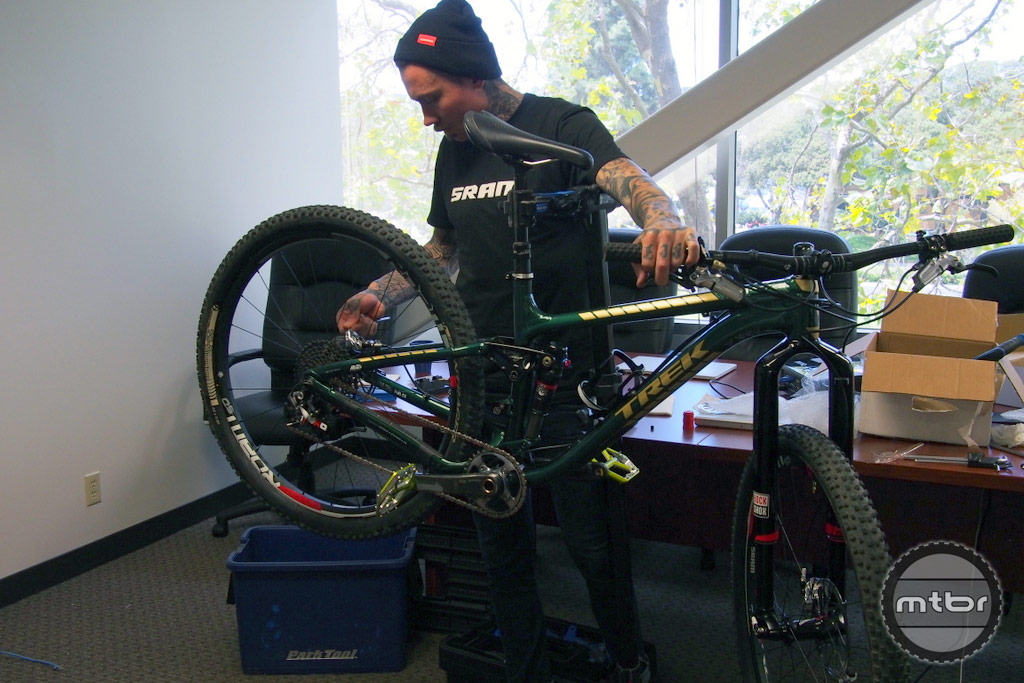 Duncan Riffle installing the Monarch on our test bike