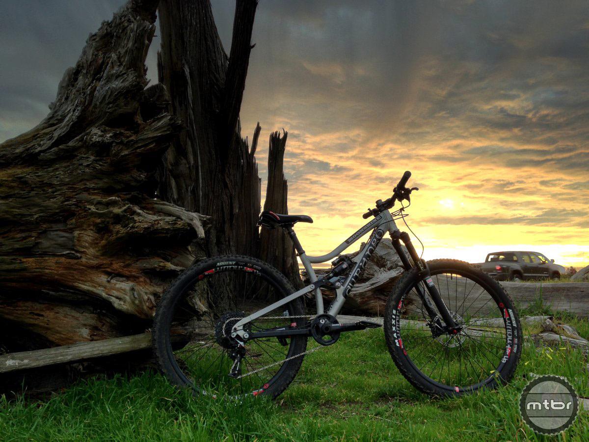The Durango Moonshine 650b bike against a beautiful Santa Cruz sunset.