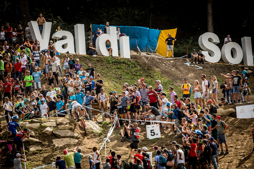 Nino Schurter completes perfect World Cup season