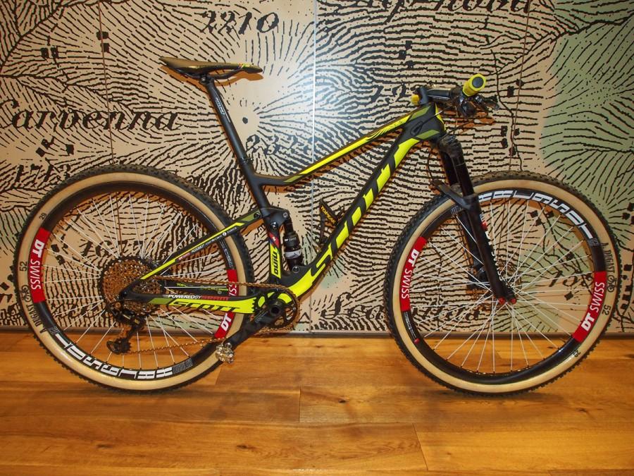 Meet reigning XC world champion Nino Schurter's Scott Spark RC 29er race bike, complete with SRAM Eagle drivetrain.