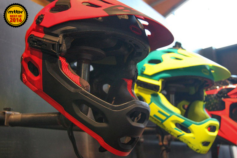 The Bell Super 3r fulfills the promise of the Super 2r removable chin guard helmet that launched a new class of helmets.