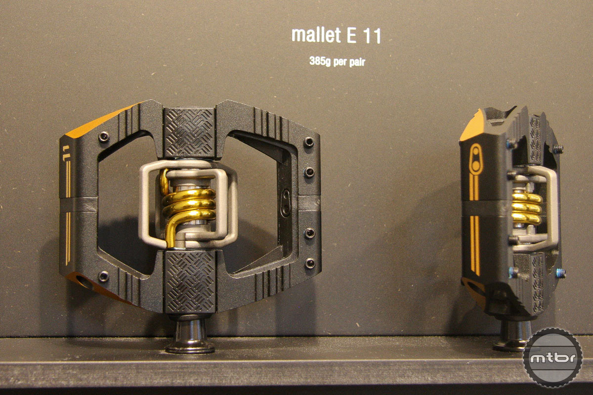 Crankbrothers new Mallet E 11 turns the bling factor to 11 with titanium wings and dual chamfered edges to reduce the risk of rocks strikes.