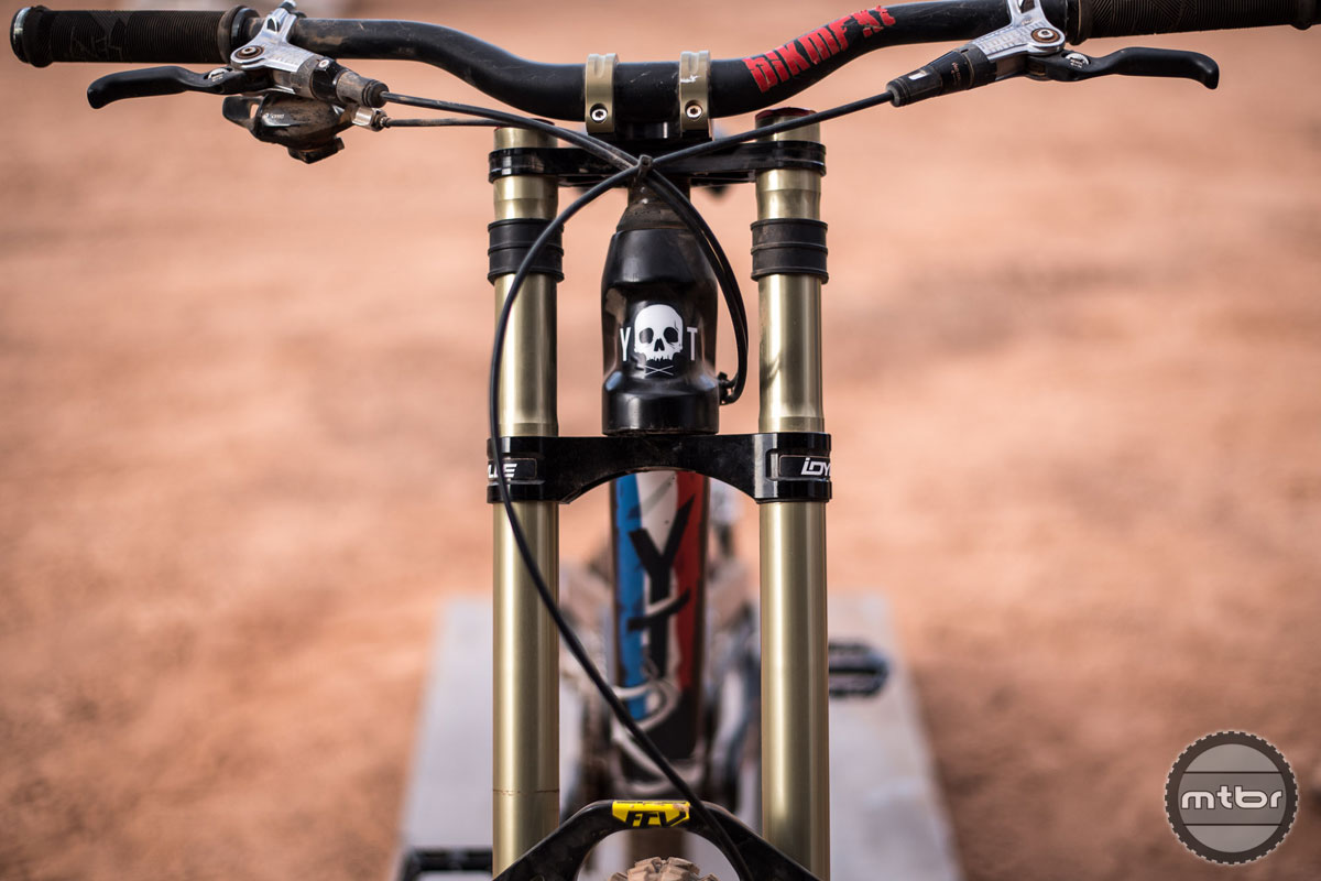Yannick Graneri's YT featured his French colors with a pirate themed skull on the headtube and an octopus on the bottom of the downtube. Photo by Eddie Clark/EddieClarkMedia.com
