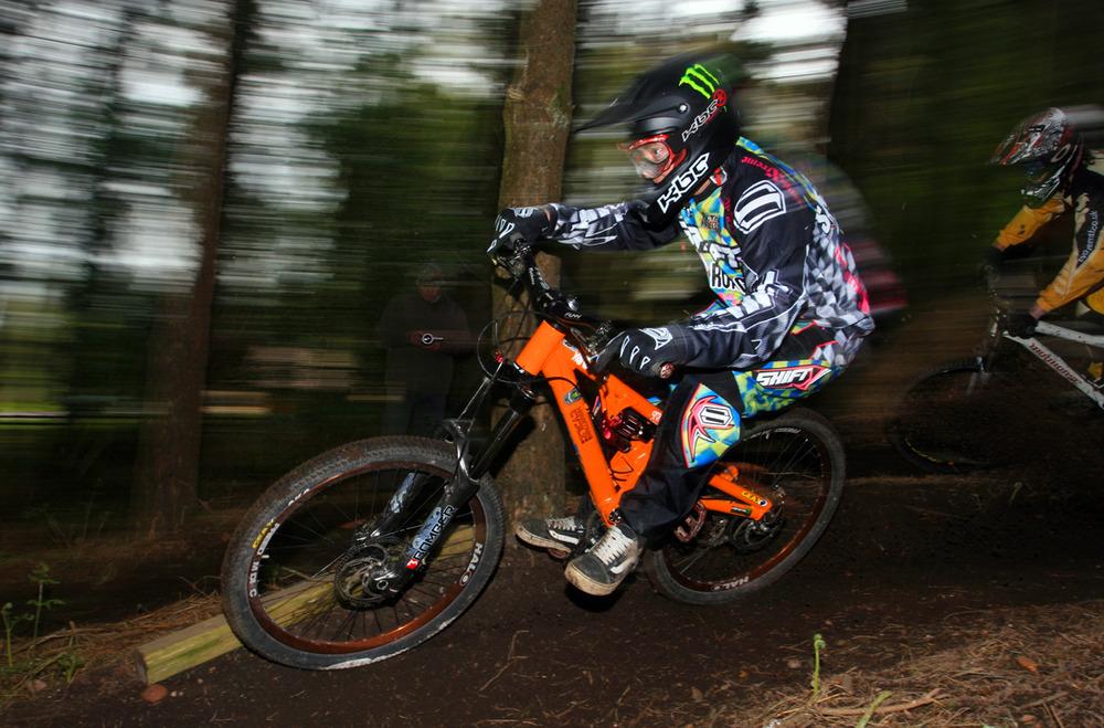 PRESS RELEASE: Mountain Cycle signs UK's Elbry Sandland-elbry_sandland.jpg