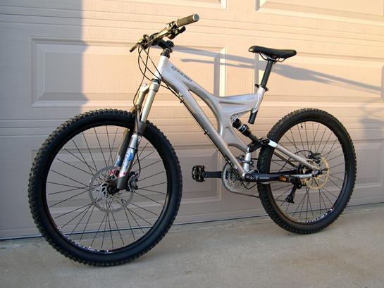U G L Y -  you ain't got no alibi...and i wanna see it-enduro_bike-copy.jpg