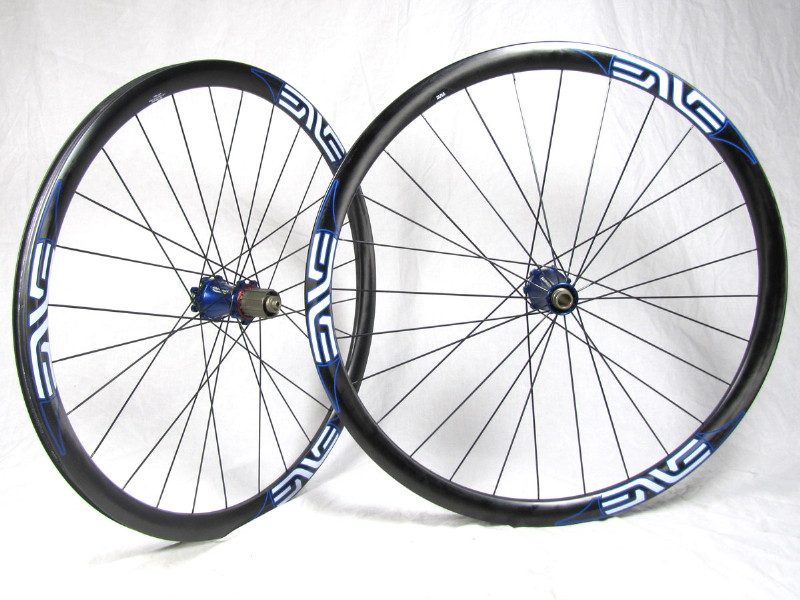 Enve Twenty6 AM vs Carbon Haven-enve_extralite_studio_01_1.jpg