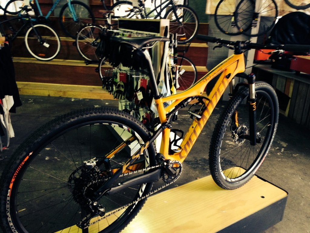 Custom 2015 Epic Expert World Cup (EDIT: Now Weighed w' Pics)-epic_wc-smly.jpg