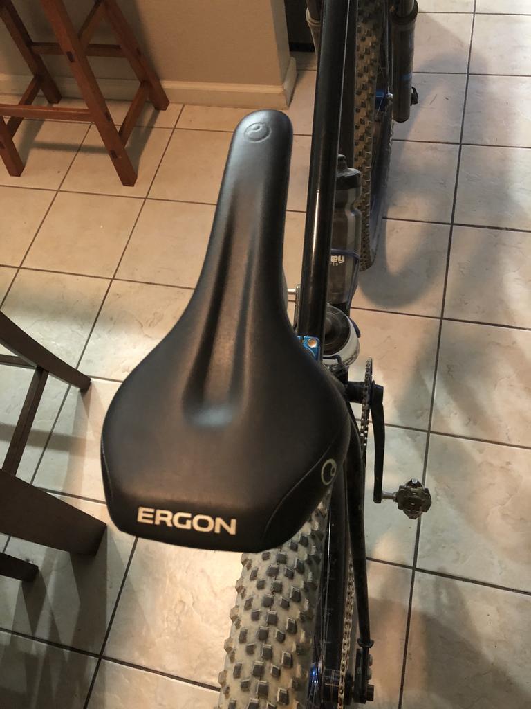 Medium//Large ERGON SME3 Comp Sattel Stealth