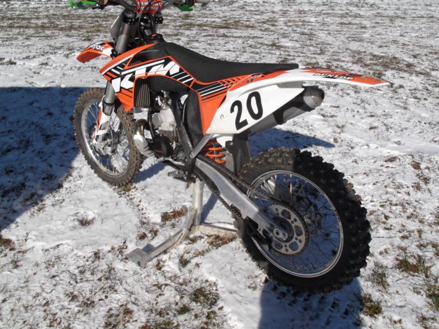 Roda da mOOn, Evansville Snow X and Ice at Briar Creek, Sunday 1/16/12-evansville-snow-1-16-12-001_900x900.jpg