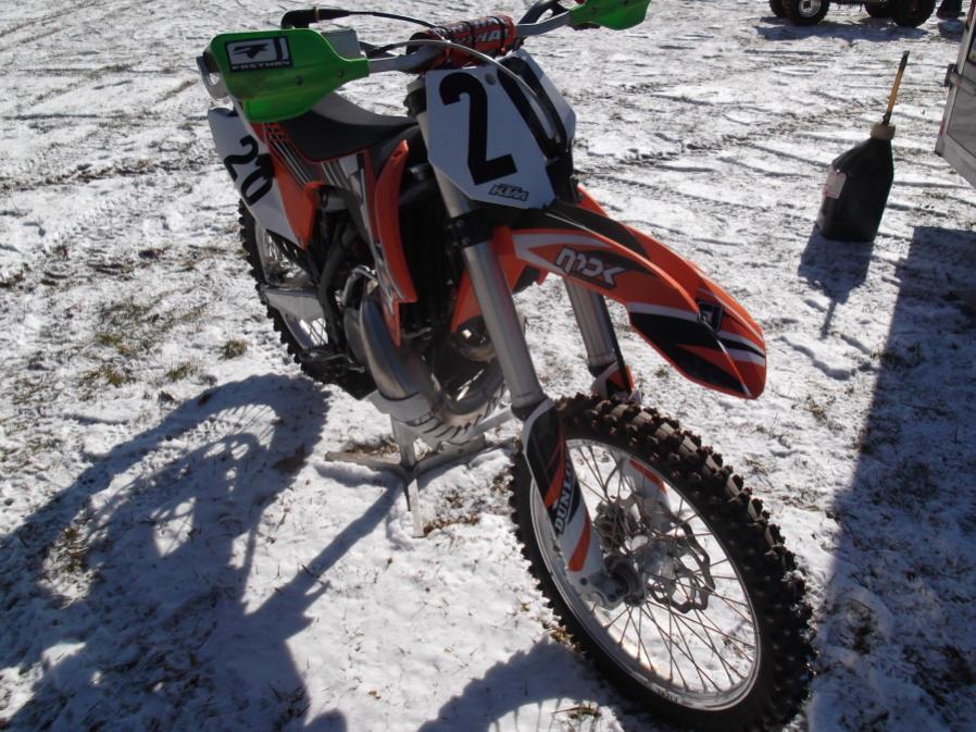Roda da mOOn, Evansville Snow X and Ice at Briar Creek, Sunday 1/16/12-evansville-snow-1-16-12-002_900x900.jpg