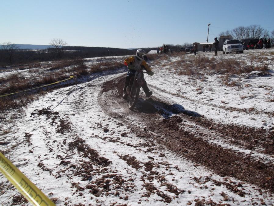 Roda da mOOn, Evansville Snow X and Ice at Briar Creek, Sunday 1/16/12-evansville-snow-1-16-12-018_900x900.jpg