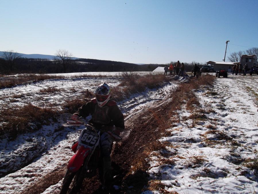 Roda da mOOn, Evansville Snow X and Ice at Briar Creek, Sunday 1/16/12-evansville-snow-1-16-12-021_900x900.jpg