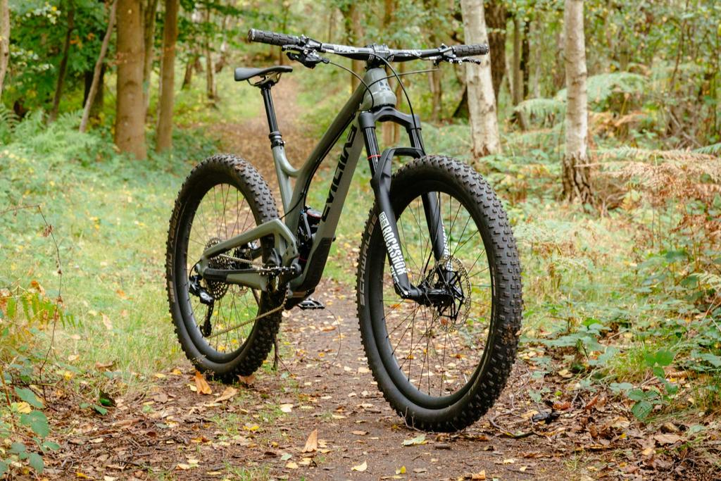 Let's see your 27.5+ bike-evil-following-mb-27.5-build-pics_10.jpg