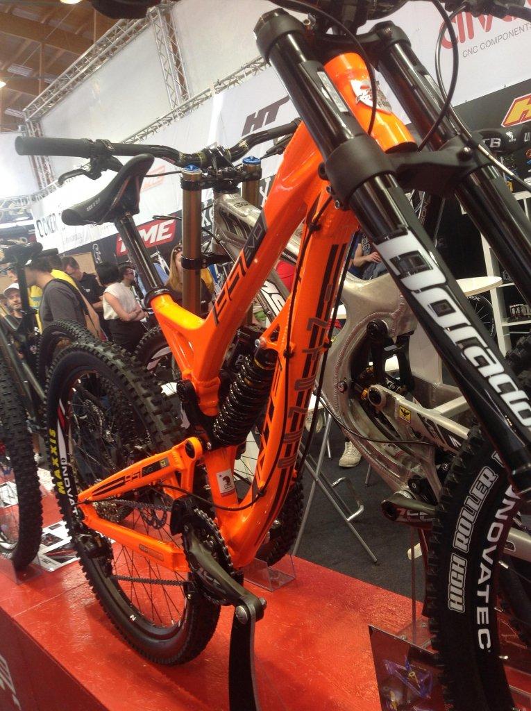Intense cycles at 2013 eurobike-evo-3.jpg