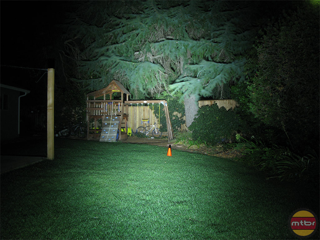 Exposure Lights Six Pack Backyard Beam Pattern