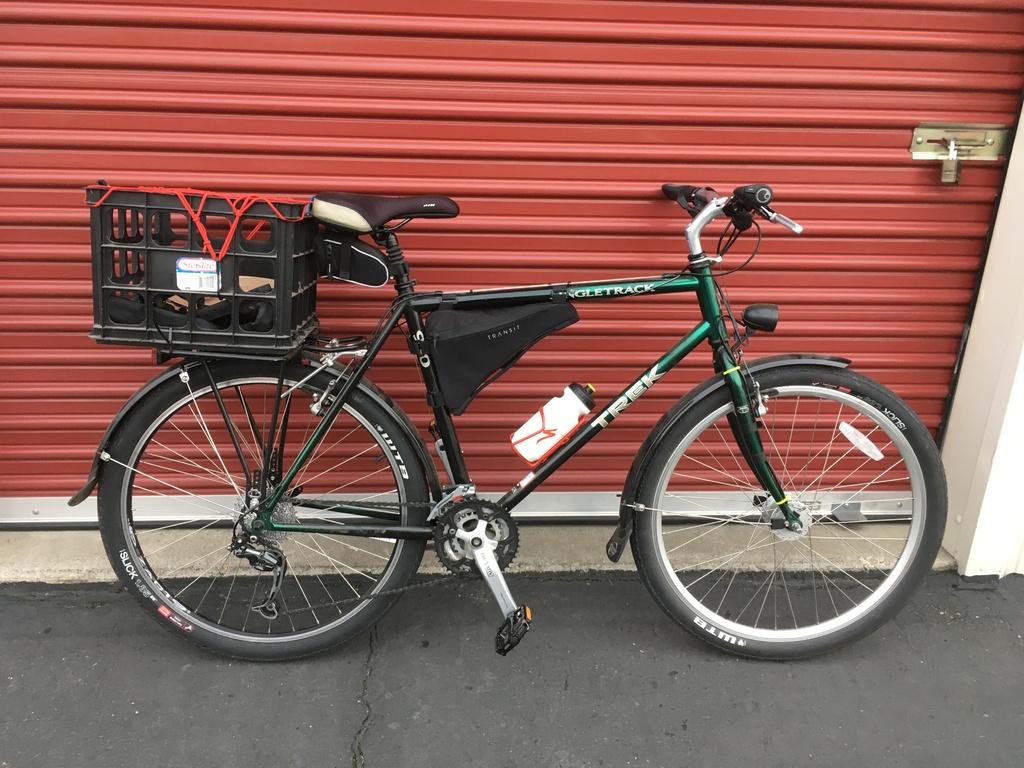 E-biking and social distancing-f5f8a063-7b2f-4bb4-97a2-0406e9fac922.jpg