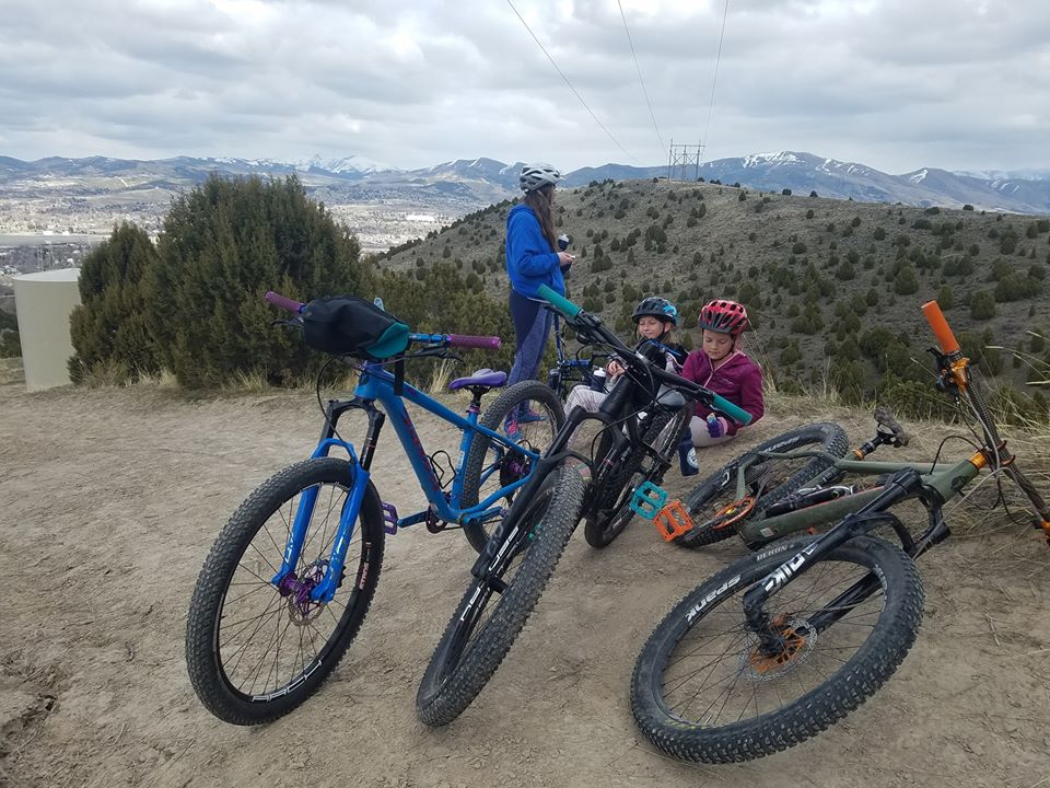 Bike too big. Kid can't loft front wheel.-family.jpg