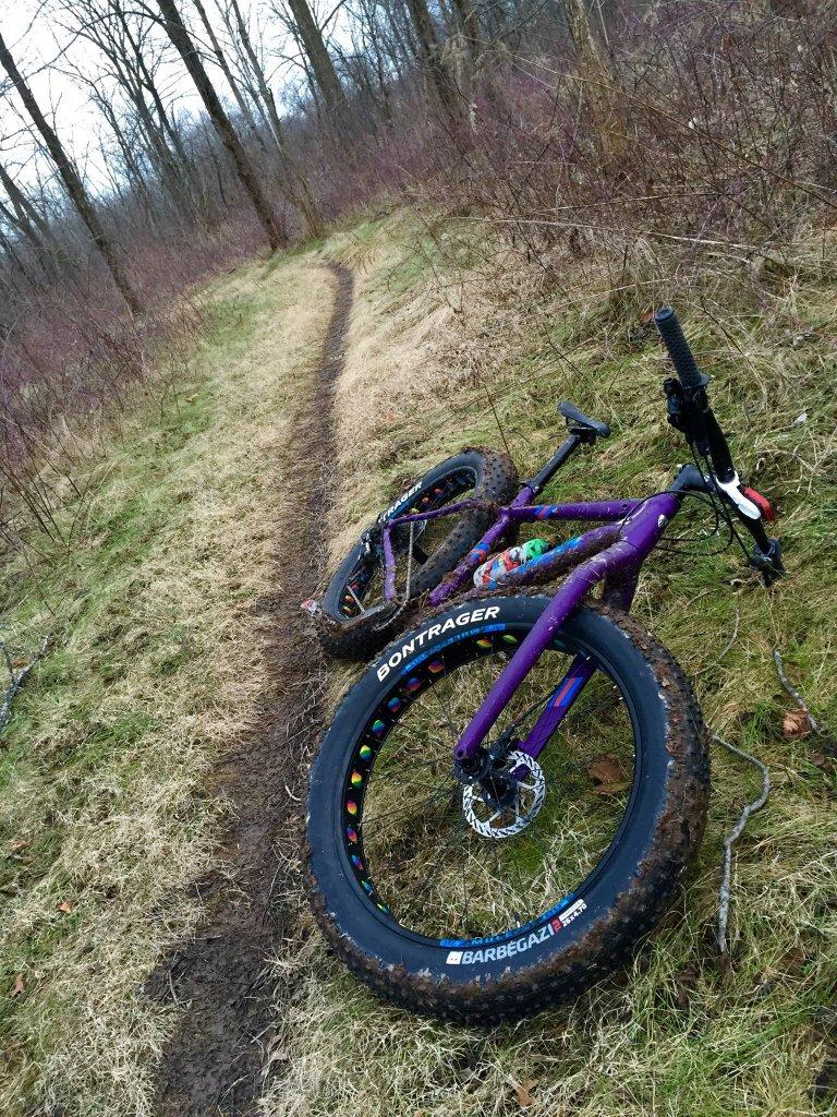 2016 Trek Farley 5, 7, 9, 9.6, and 9.8 Fat Bikes-far.jpg
