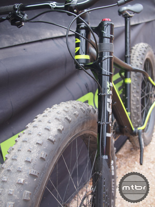 Olaf 's wider clamps and inset axle offers the largest tire clearance of any fork.
