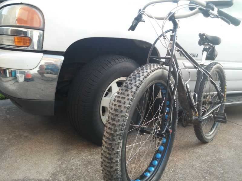 "Vee Rubber H-Billie Fat Bike Tire 26/"" x 4.25/"" 120tpi Folding Silica Compund NEW"