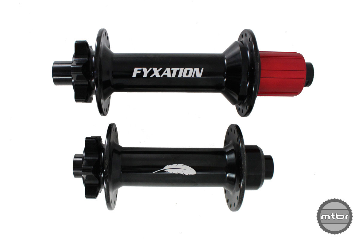 The hubs feature CNC machined hub body, thru-axle, dual front and quad rear sealed cartridge bearings, and red anodized alloy cassette body. Photo courtesy of Fyxation