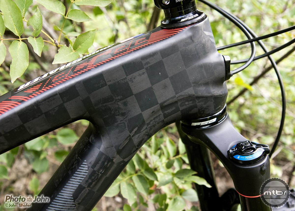 UHC Ultimate + TeXtreme carbon fiber on the Felt Decree FRD – yes, that checkerboard pattern is for more than just looks.