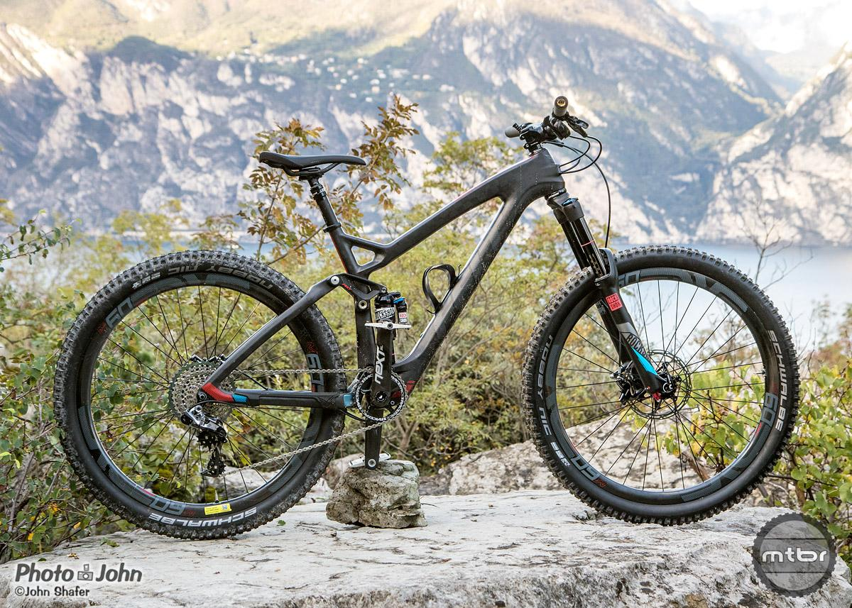 A 140mm 27.5 carbon trail bike with adjustable geometry.