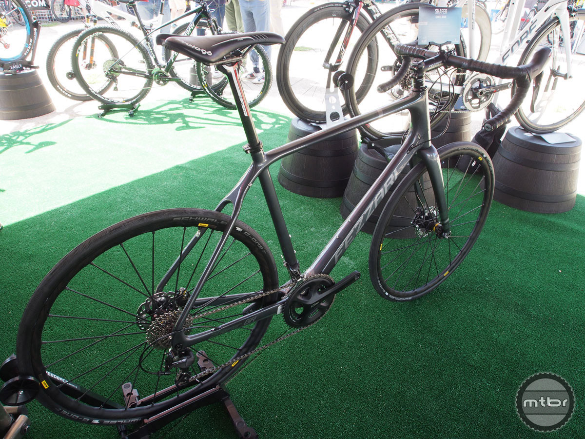 Fezzari's latest drop bar bike is a disc-brake equipped adventure machine with clearance for up to 40mm tires.