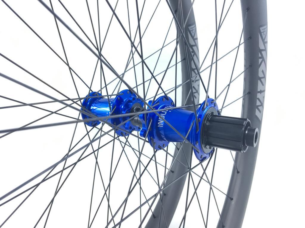 Light Bicycle Carbon Rims-file_006-1-.jpg