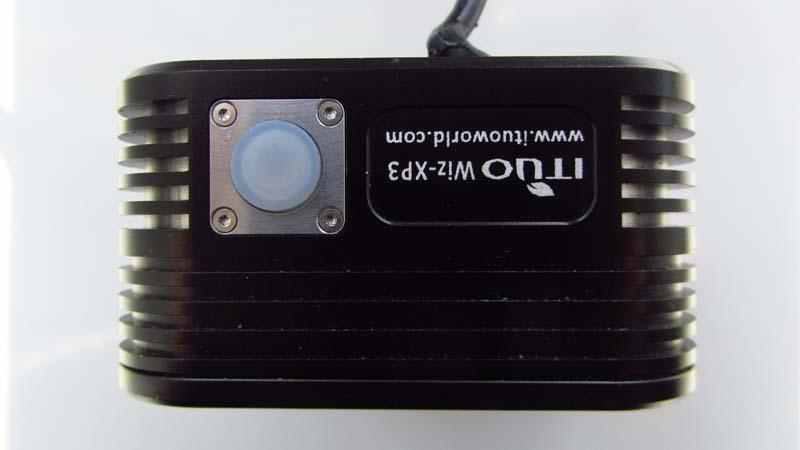 ITUO WIZ XP3 Triple XM- L2 U3 bike light-fins.jpg