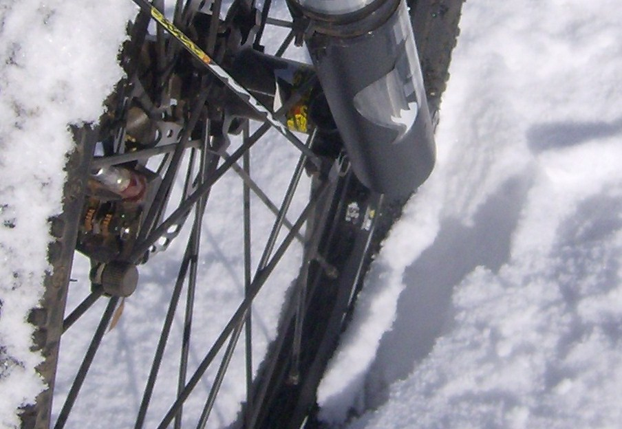 One picture, one line.  No whining. Something about YOUR last ride. [o]-first-snow-008.jpg