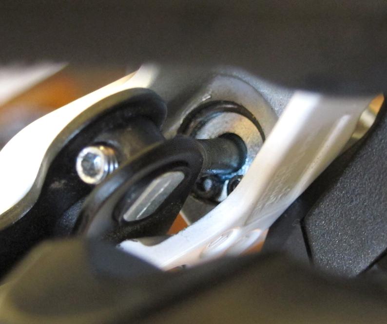 Broken Shimano BR-M445?-fixed.jpg