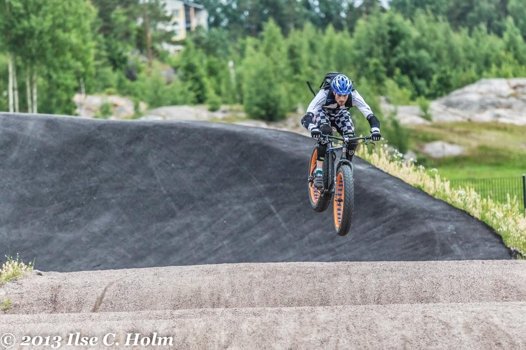 Fat Bike Air and Action Shots on Tech Terrain-flyingfat2.jpg