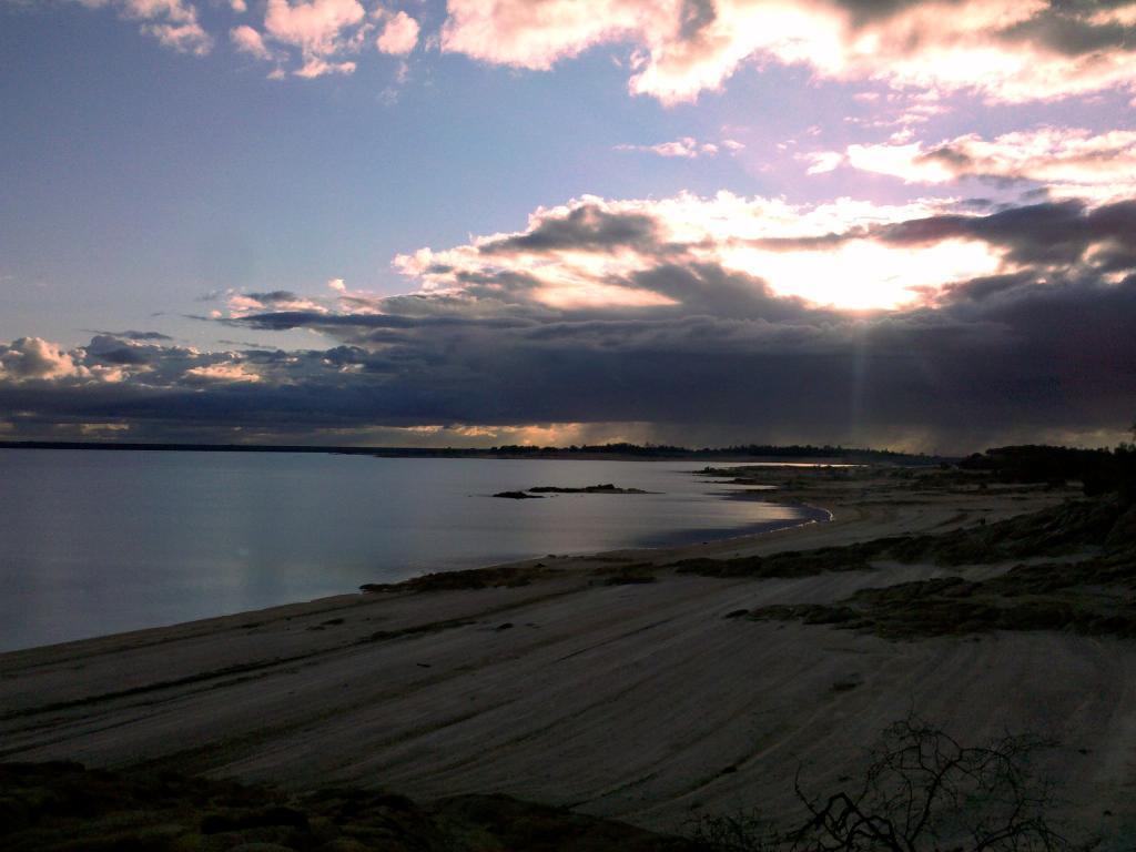 """Live from the trail"" photo thread-folsom-lake-11-11.jpg"