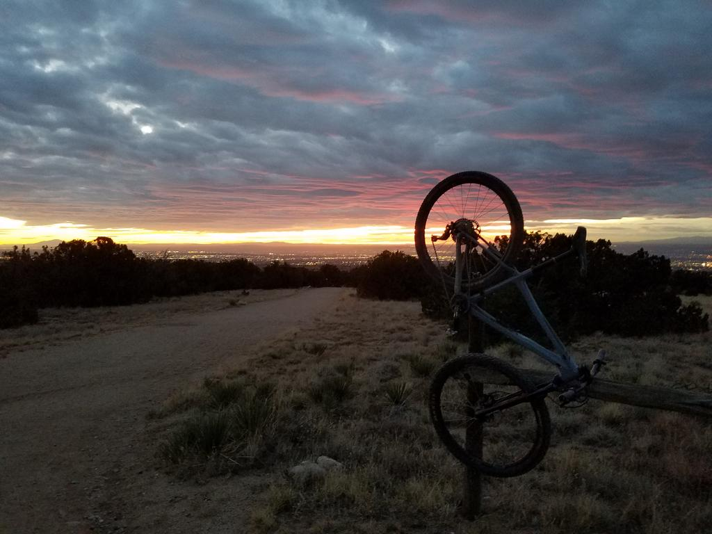 The NM Trail Pix Thread-foothills.jpg