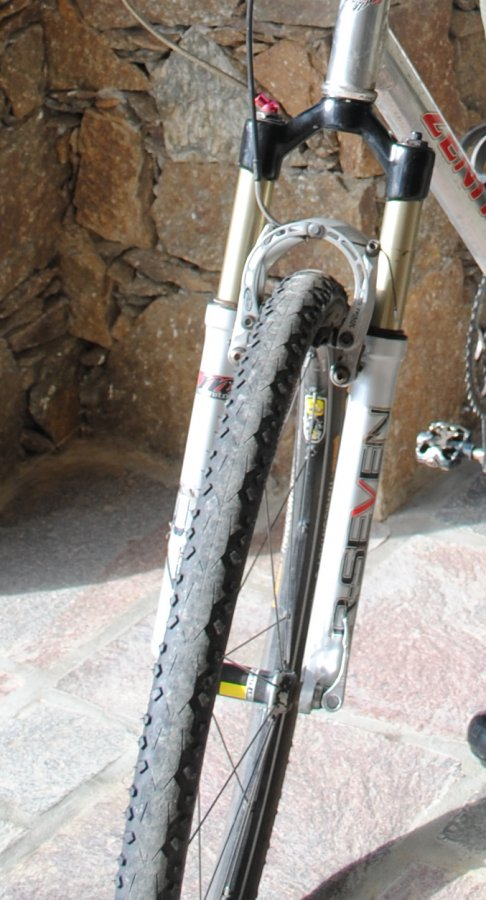 HELP! What year is this Manitou R7?-fork2.jpg