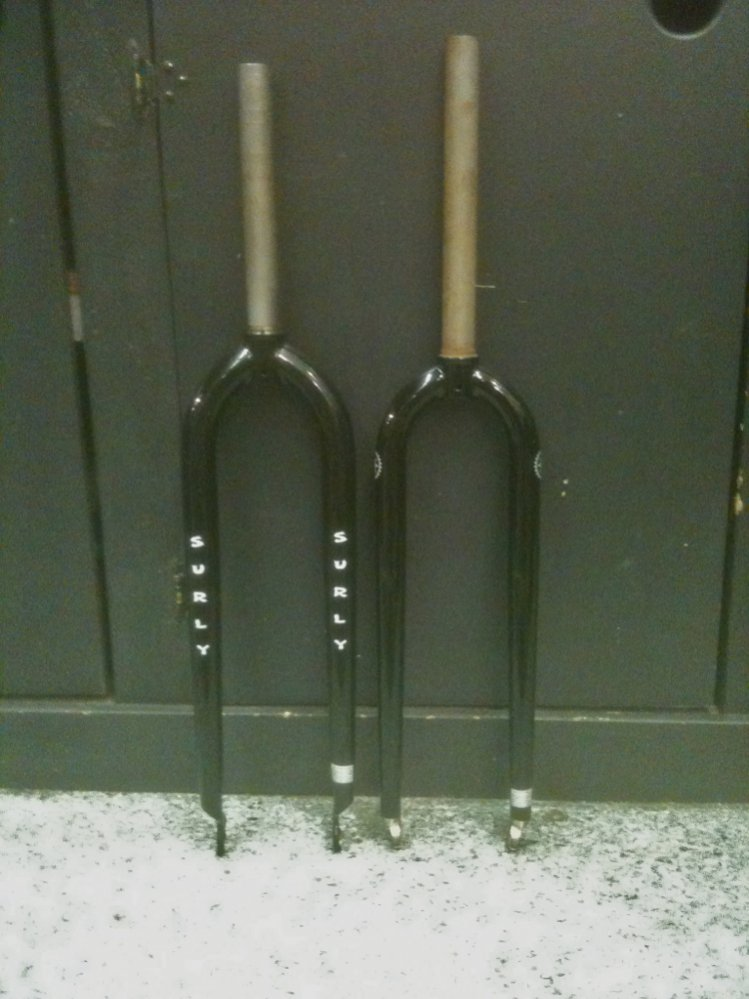 """26"""" to 700C Conversion (PICS)-forks-surly-vs-salsa.jpg"""