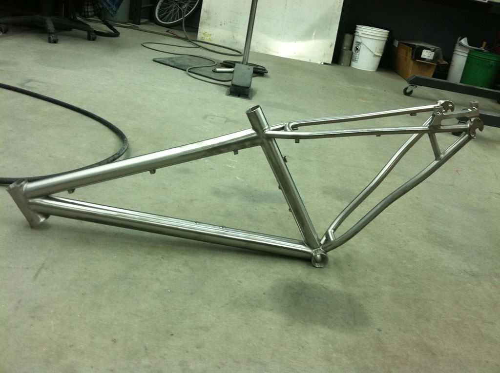 Custom Form Cycles Ti Prevail 29er-formcycles_frame01sm.jpg