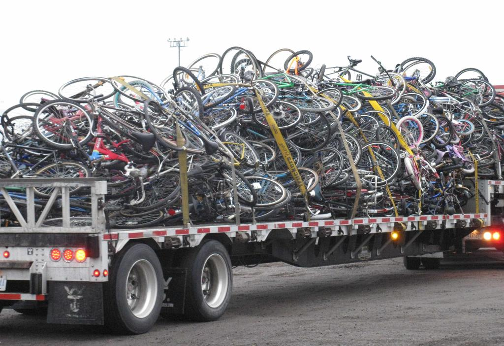 Sad Bikes-fort_francis_2012_truck_12.jpg