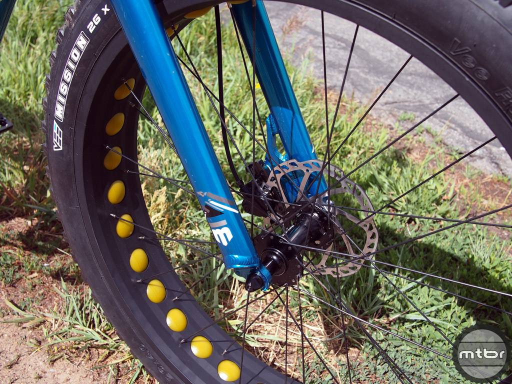 Mongoose Argus - front tire, fork, rim