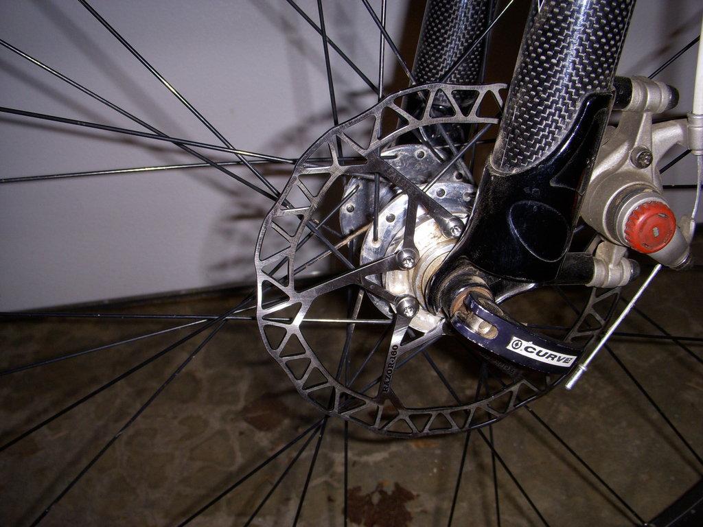 Outcast 29 rear brake mounting???-frt.-brake.jpg