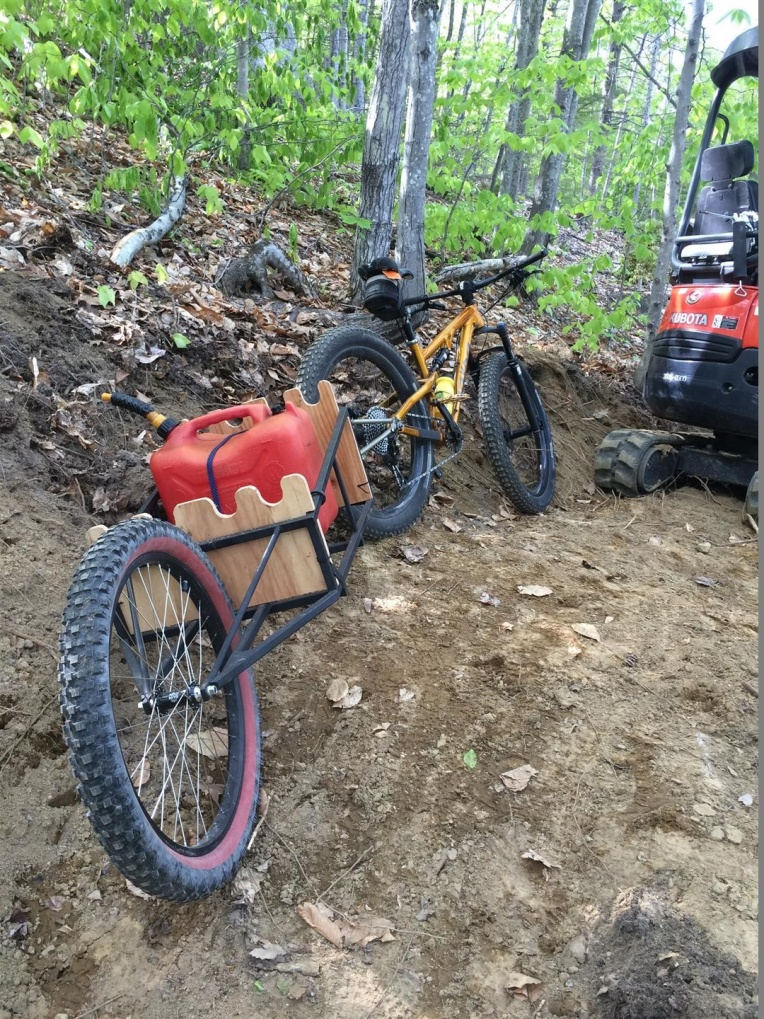 New Bob Trailer For Fatbikes-fuel-delivery-large-.jpg