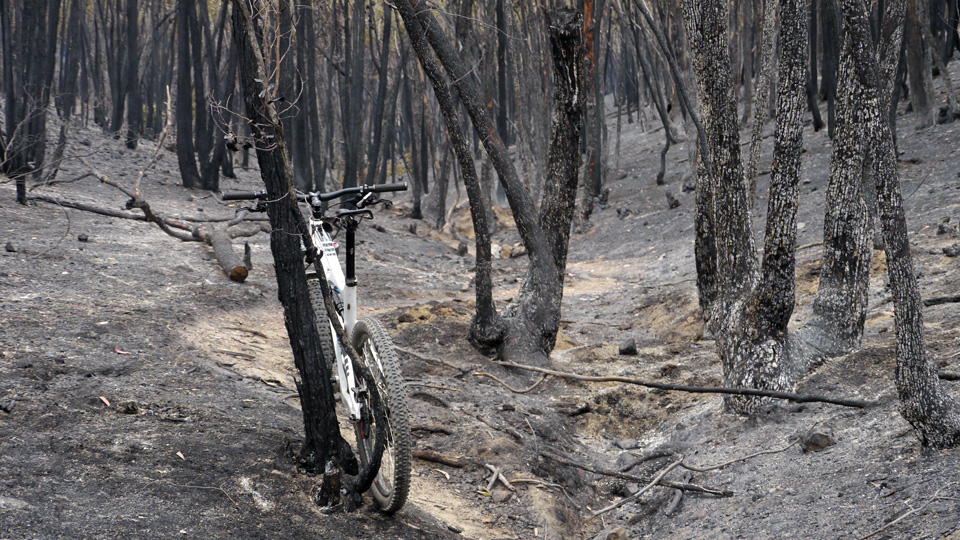 Spring Equinox, Mojo HD, MTB Australia [video]-fuel-reduction-burn-01.jpg