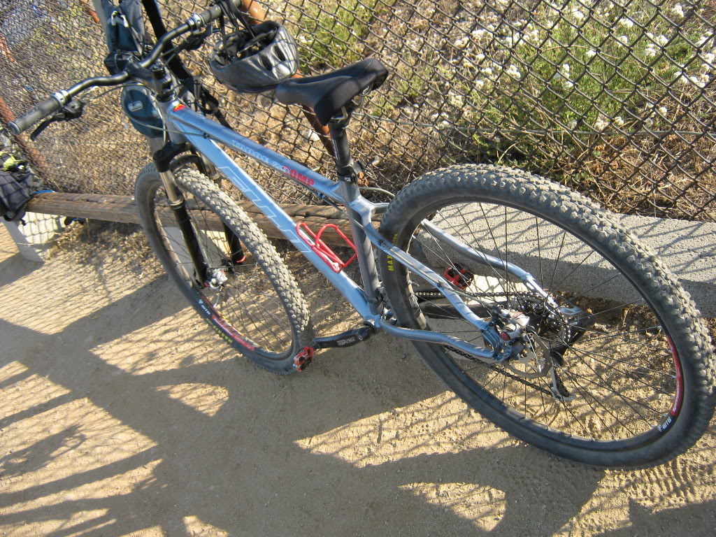 Your Entry Level MTB (Pics and Upgrades)-fuji-29er-2.jpg